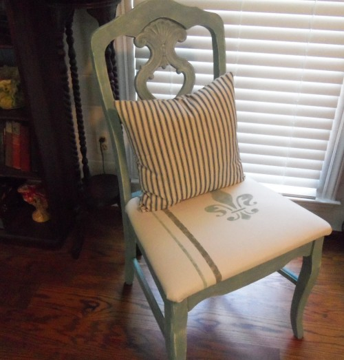 Here is a chair I painted with chalk paint.