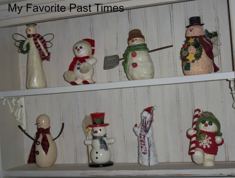 Christmas Decorations At My House (2/6)